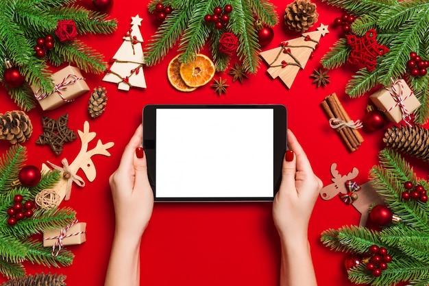 Kersttafereel met feestelijke decoraties Premium Foto