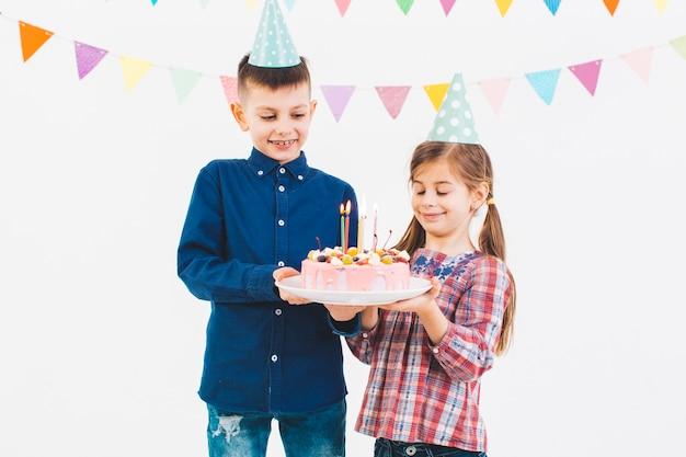 Kinderen die een verjaardag vieren Gratis Foto