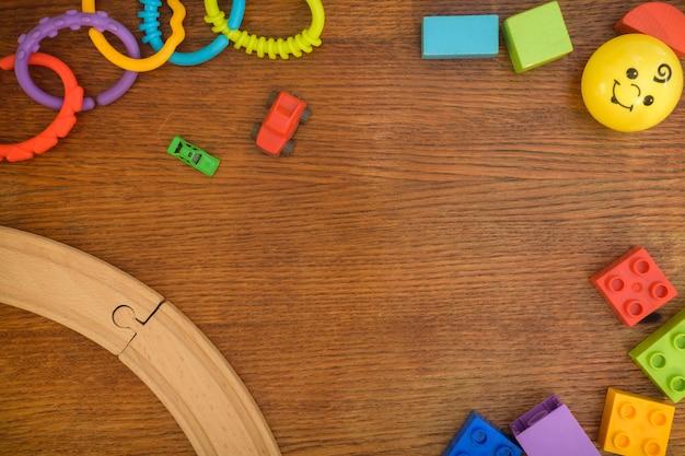 Kinderen speelgoed achtergrond Premium Foto