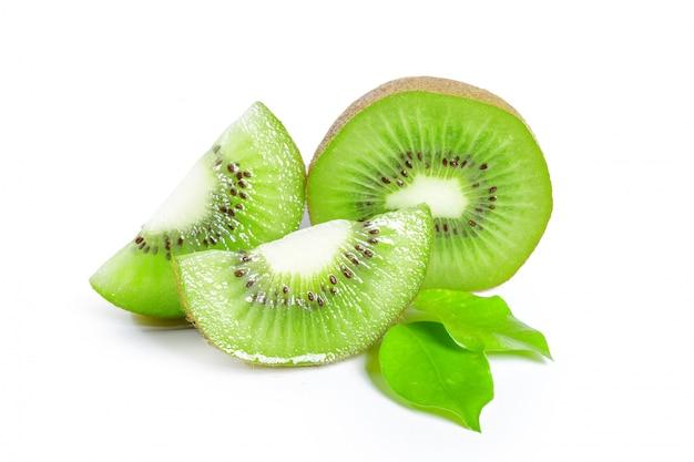 Kiwi's met bladeren Premium Foto