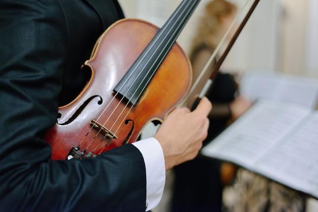 Klassieke muziek. muziek concert concept viool Premium Foto