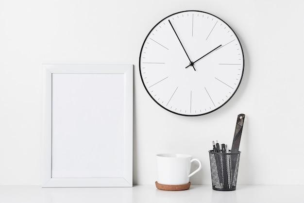Klein kantoor aan huiskant kantoor, mockup Premium Foto