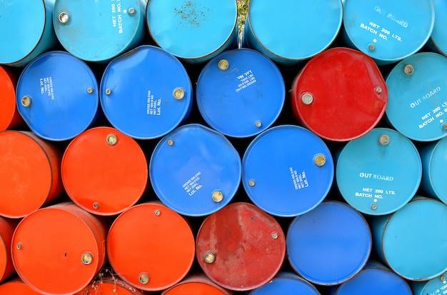 Kleurrijk van gebruikte gastanks. Premium Foto