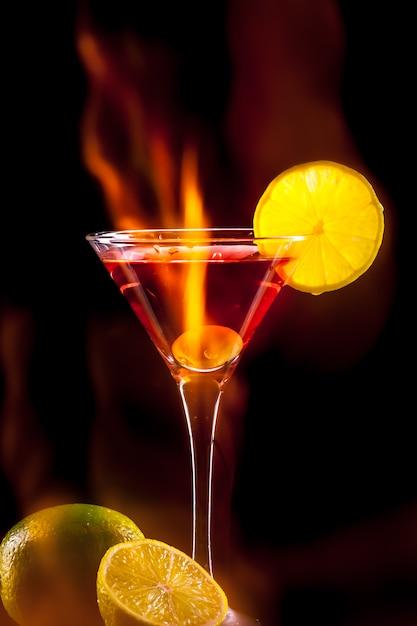 Kleurrijke cocktail. partij achtergrond Premium Foto