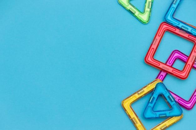 Kleurrijke magnetische kinderontwerper Premium Foto