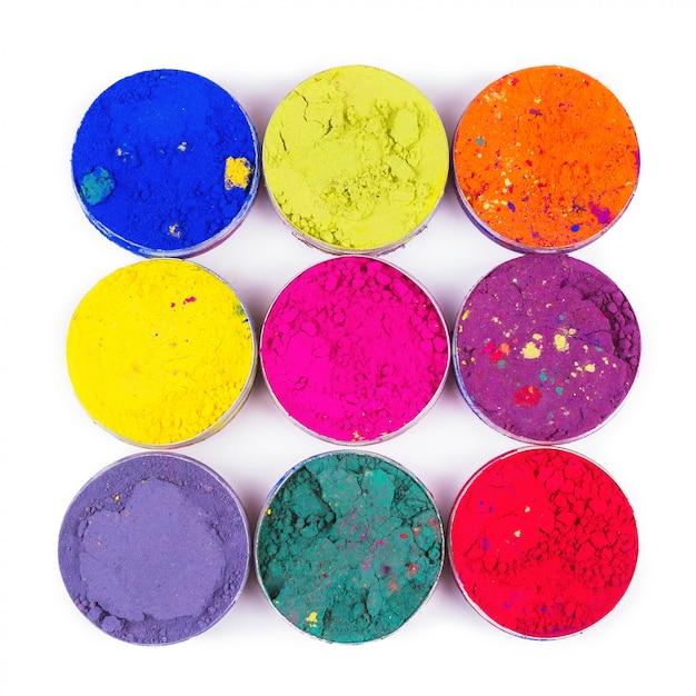 Kleurrijke make-up potten als make-up textuur. plat liggen Premium Foto