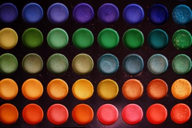 Kleurrijke make-upreeks oogschaduwwen Premium Foto