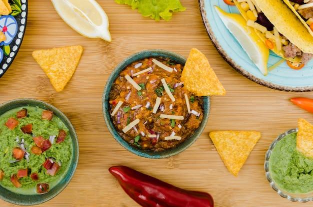 Kleurrijke set van mexicaans eten Gratis Foto