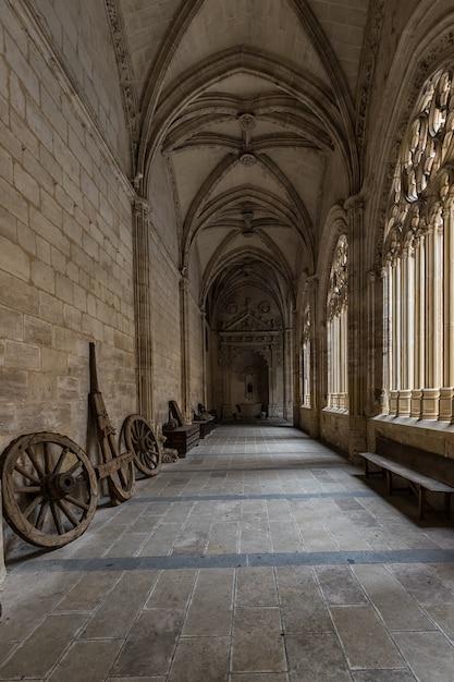 Klooster in de kathedraal van segovia. Premium Foto