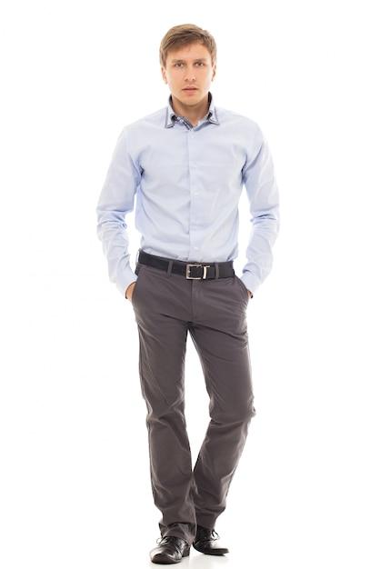 Knappe man in een shirt Gratis Foto