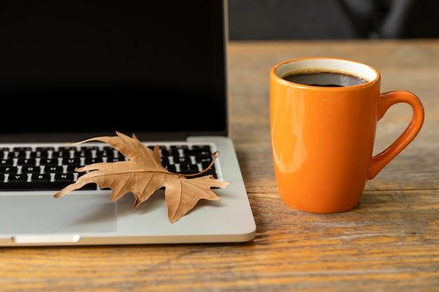 Koffiepauze in een kantoor Premium Foto