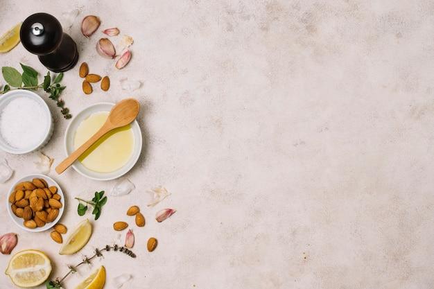 Koken ingrediënten met olijfolie frame Gratis Foto