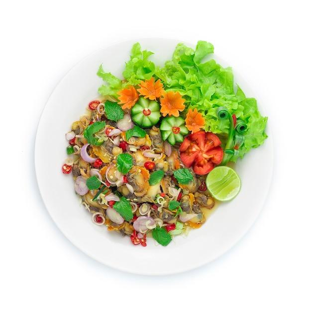 Kokkels pittige salade tweekleppige schelpdieren met thais kruiden voorgerecht Premium Foto