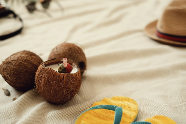 Kokos cocktail, zomervakantie concept Gratis Foto