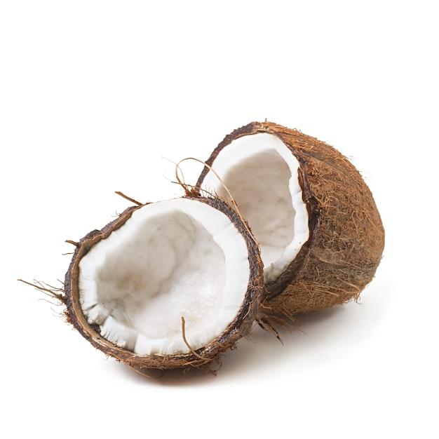 Kokosnoot op witte achtergrond wordt geïsoleerd die Gratis Foto