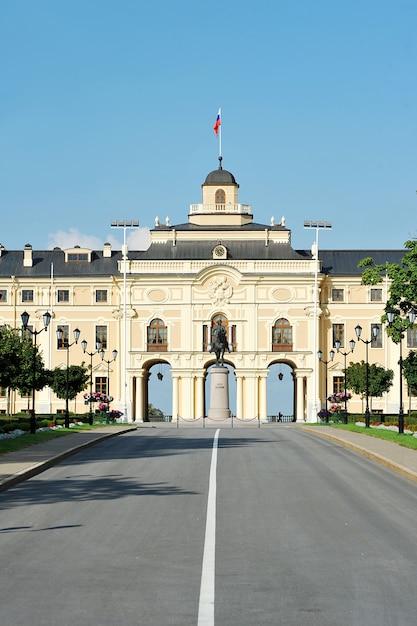Konstantinovsky-paleis in strelna, st. petersburg. de residentie van de president van rusland Premium Foto