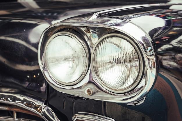 Koplamp van oude auto Premium Foto