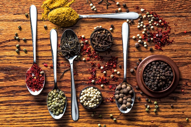 Kruiden en specerijen selectie plat leggen Gratis Foto