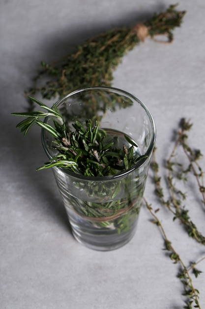 Kruiden op glas Gratis Foto