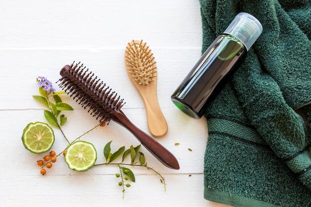 Kruiden shampoo extract kaffir limoen gezondheidszorg voor washaren Premium Foto