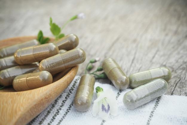 Kruidenpoeder capsules Premium Foto