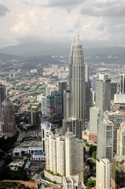 Kuala lumpur en de omliggende stedelijke gebieden Premium Foto