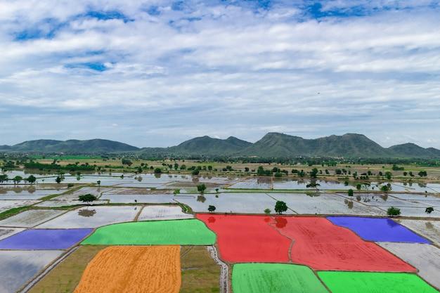 Landbouwgebied automatische landbouwtechnologische scan Premium Foto