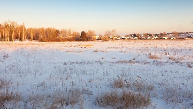 Landelijk winters landschap Gratis Foto
