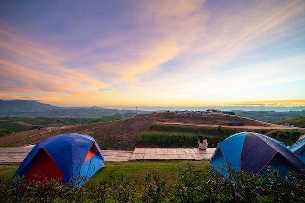 Landschappen camping landschap. Premium Foto
