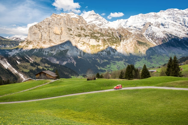 Landschapsscène van eerste tot grindelwald, bernese oberland, zwitserland Premium Foto