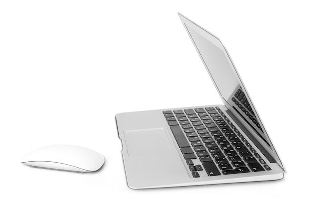 Laptop op wit wordt geïsoleerd dat Premium Foto
