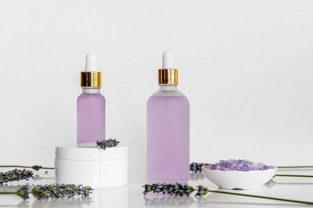 Lavendelolie, cosmetica voor spabehandeling Premium Foto