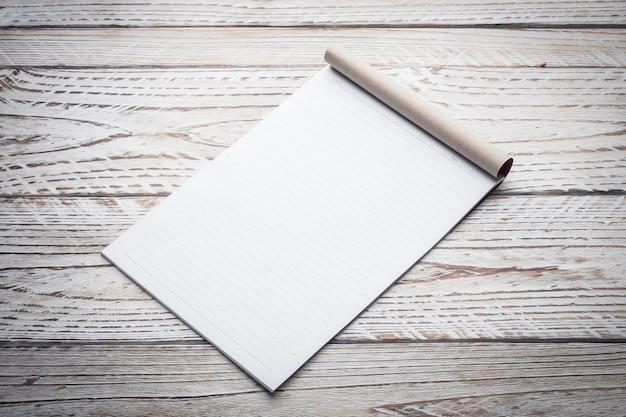 Leeg wit papier Gratis Foto