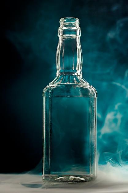 Lege kleurloze glazen fles Gratis Foto