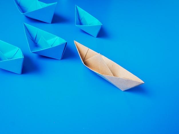 Leiderschap concept origami boot papier Premium Foto