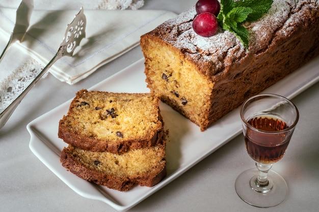 Lekkere gebakken cake Premium Foto
