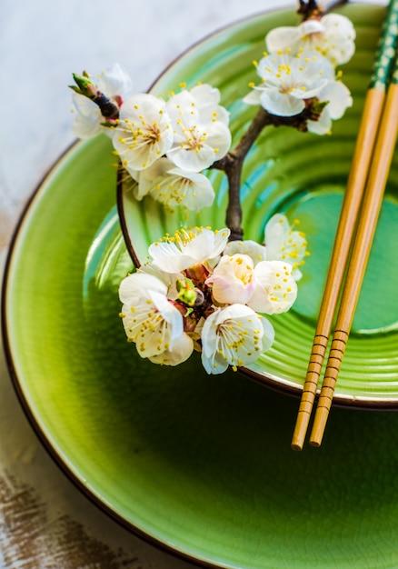 Lente concept met perzik bloeien Premium Foto