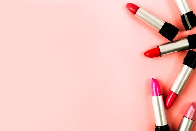 Levendige lippenstiften close-up Gratis Foto