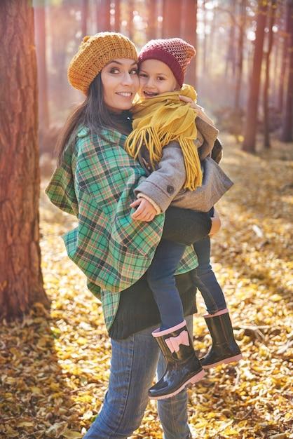 Liefdevolle moeder en dochter dag samen doorbrengen Gratis Foto