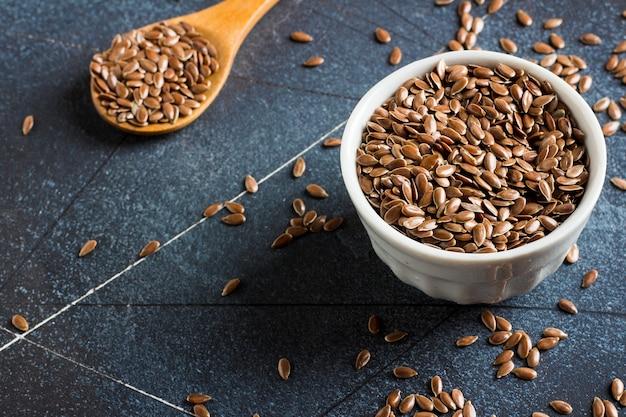 Lijnzaad lijnzaad superfood gezond biologisch voedsel concept Gratis Foto