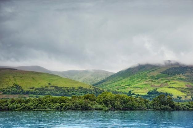 Loch lomond, schotland Premium Foto