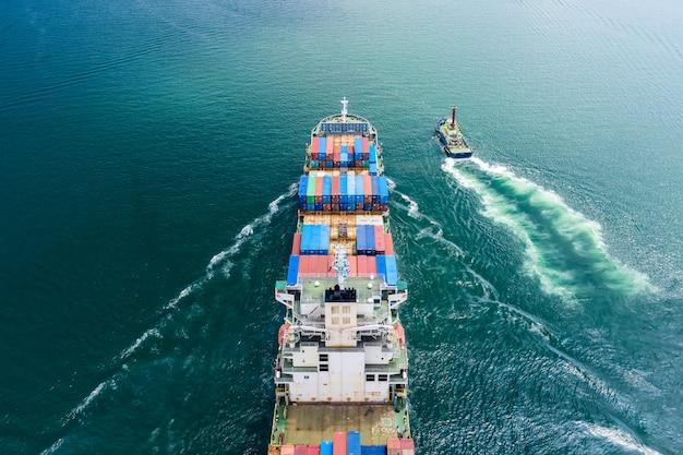 Logistiek zakelijk vervoer per schip vlucht open zee service import en export internationale lading Premium Foto
