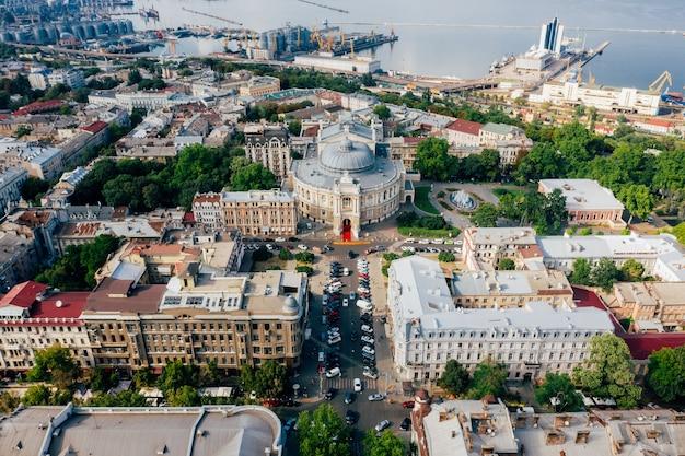 Luchtbeelden van de oude stad en de haven Gratis Foto