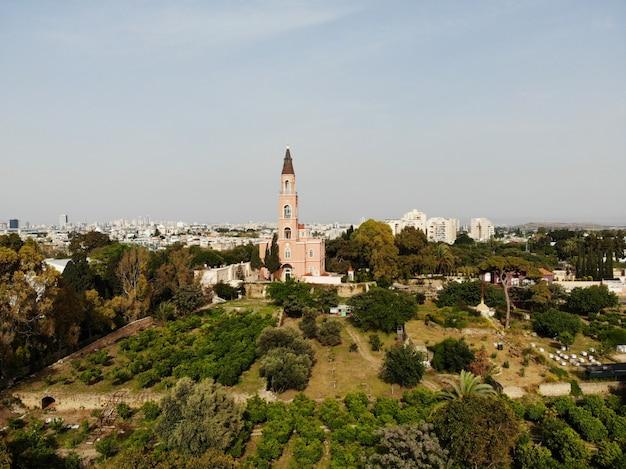 Luchtfoto in israël. tel aviv, bat yam-gebied. gemaakt door drone vanuit een geweldig oogpunt. verschillende hoek voor je ogen. midden-oosten, holyland. Premium Foto