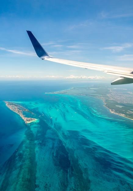 Luchtfoto van de caribische kust Premium Foto