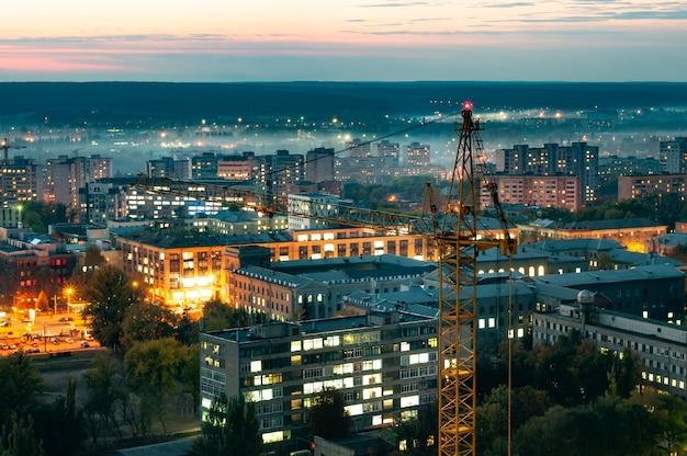 Luchtfoto van de prachtige brandende stadslichten Premium Foto