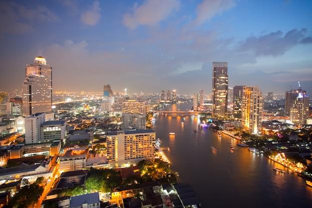 Luchtfoto van de skyline van bangkok Premium Foto