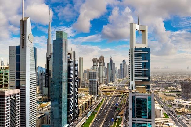Luchtfoto van het centrum van dubai Premium Foto