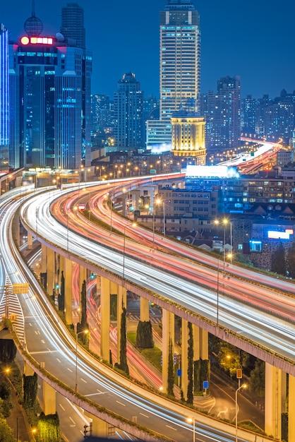 Luchtfoto van shanghai overbrug bij de nacht Gratis Foto