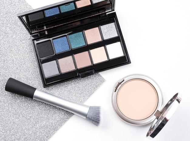 Luxe cosmetica in platte lay Gratis Foto